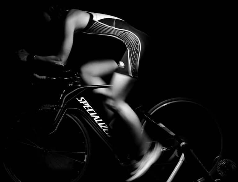 Få fornyet energi og optimal motion med en cykel hometrainer.