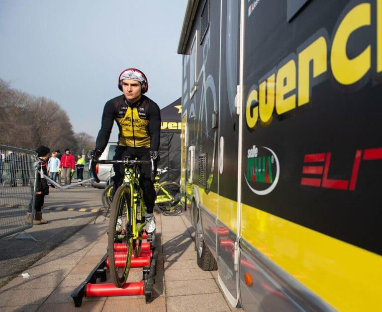 Elite Arion træningsruller, der træner balanceevnen på cyklen.